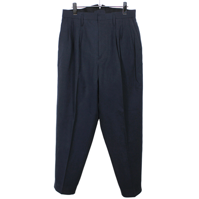 ESSAY [ 3 TUCKED SLACKS (P-1) ] NAVY
