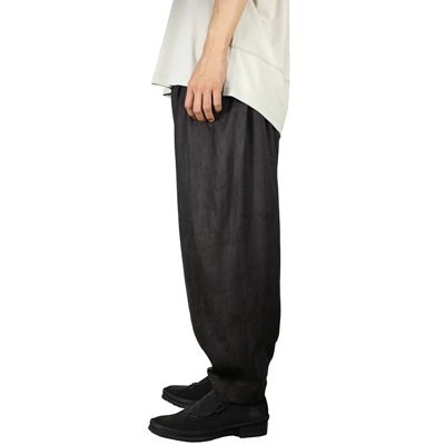 YANTOR [ Suede 6tuck Pants ] CHARCOAL